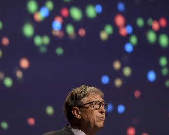 Bill Gates, pengerusi bersama dan pemegang amanah Yayasan Bill dan Melinda Gates, berucap dalam perhimpunan semasa perasmian Persidangan Antarabangsa Statistik Pertanian ke-8 di New Delhi pada 18 November 2019.